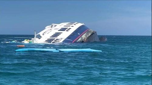 News : Luxury ship Majestic Explorer Runs Aground – and Sinks